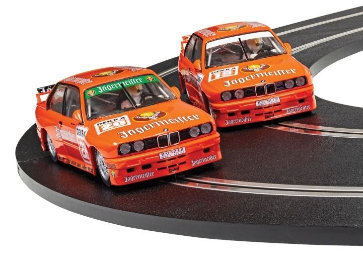 Scalextric 1:32 BMW E30 M3 Jägermeister Twin HD