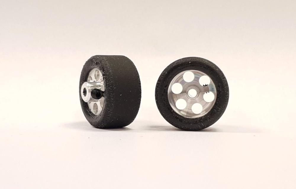 NSR RE RTR 20x10mm Trued Rubber on 16 Wheels (2)