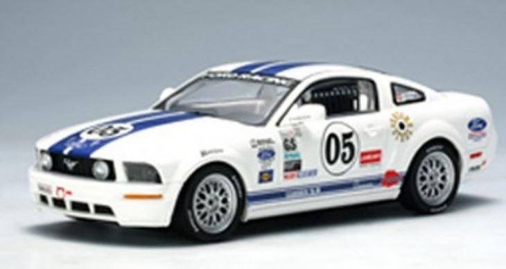 AutoArt Ford Racing Mustang FR500C Grand Am Cup GS 2005