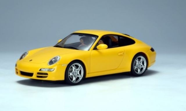 AutoArt Porsche 911 (997) Carrera S (Yellow)