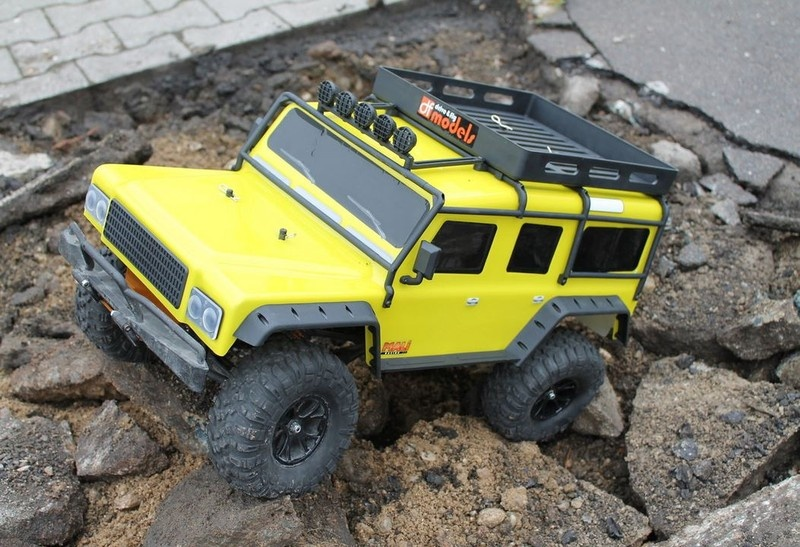 DF-Models DF-4J Crawler - Yellow Edition mit Beleuchtung