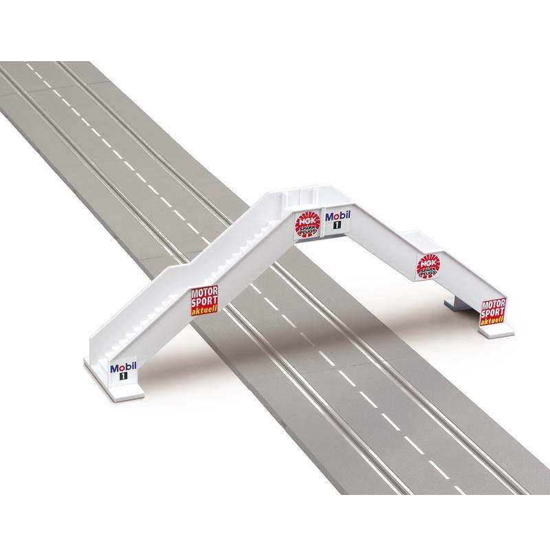 Carrera Fußgängerbrücke