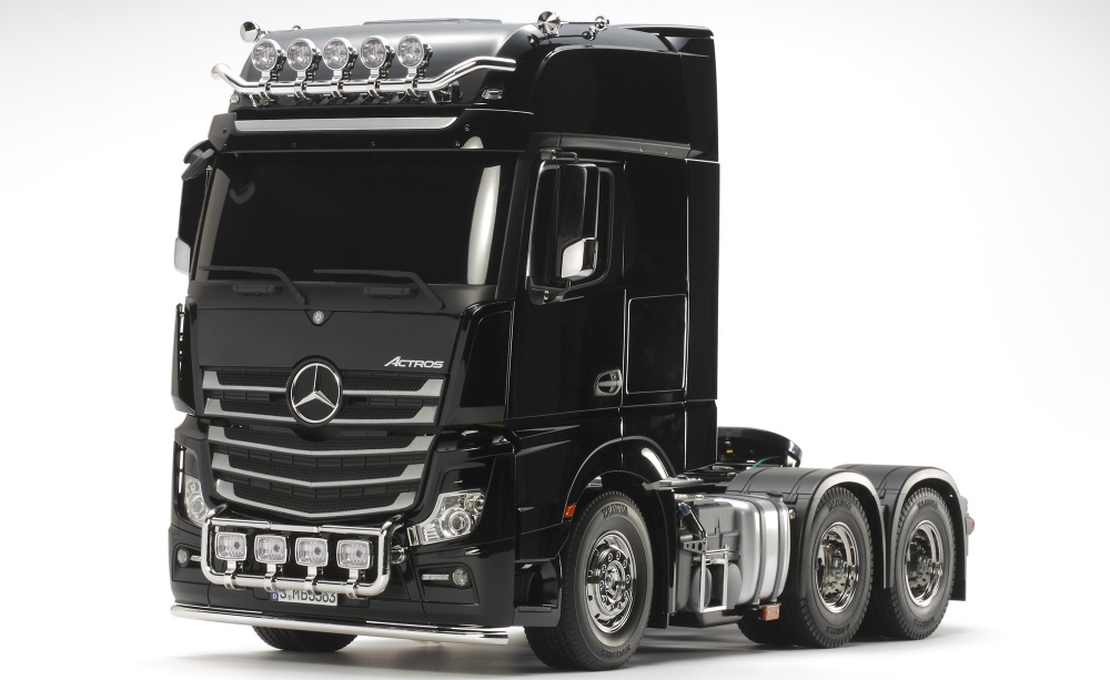 Tamiya Mercedes Benz Actros 3363 6x4 Giga Space Bausatz 1:14