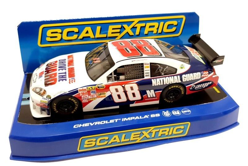 Scalextric 1:32 NASCAR Chevrolet Impala 09 #88 Earnhardt