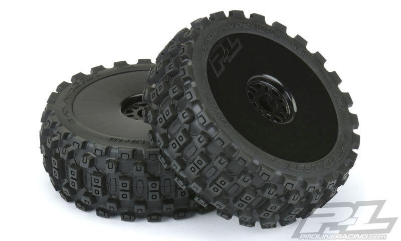 Pro-Line BADLANDS MX M2 (Medium) auf Felge schwarz v/h